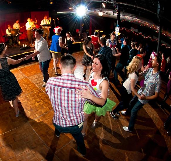 Dancing_SQ